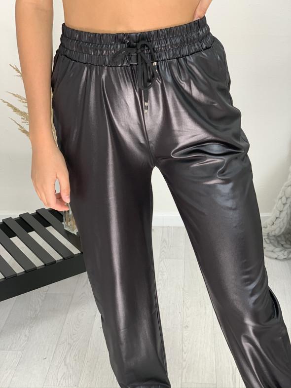 Nohavice koženkové tenké