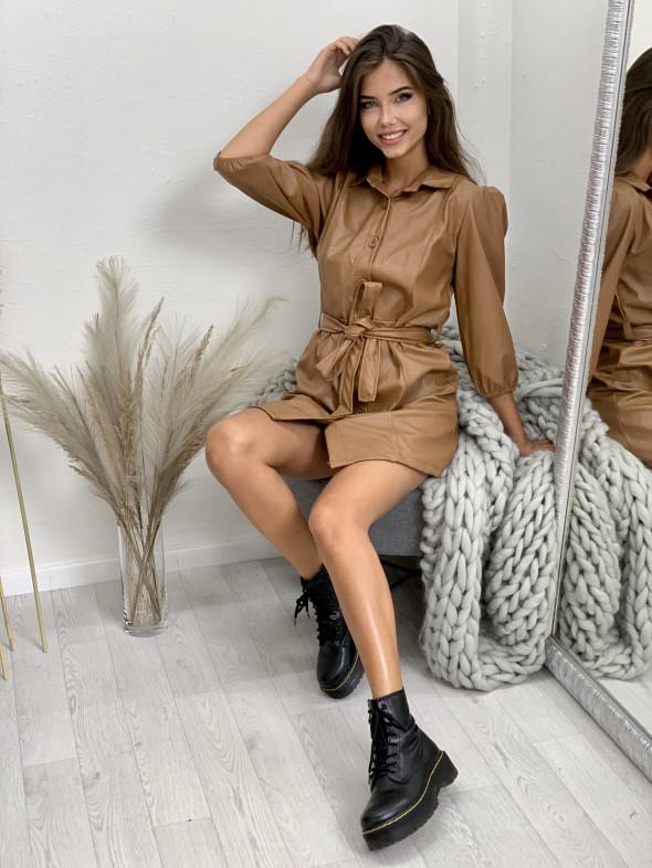 Šaty koženkové s páskem 16248