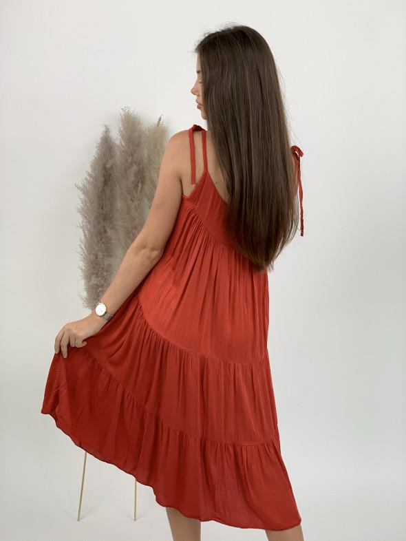 Šaty po kolená na ramienka 19795